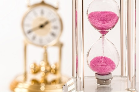 hourglass-clock-450x300